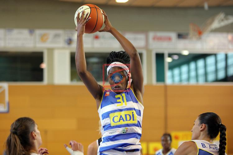 XXVIII Lliga Catalana Femenina 2016.<br /> Cadi La Seu vs Spar Citylift Girona: 71-57.<br /> Luiana Livulo.