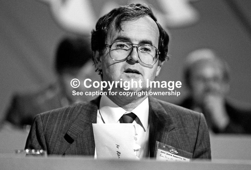 Alan Beith, MP, Berwick-upon-Tweed, Liberal Party, UK, platform, annual conference, September 1986, 19860915AB2<br />