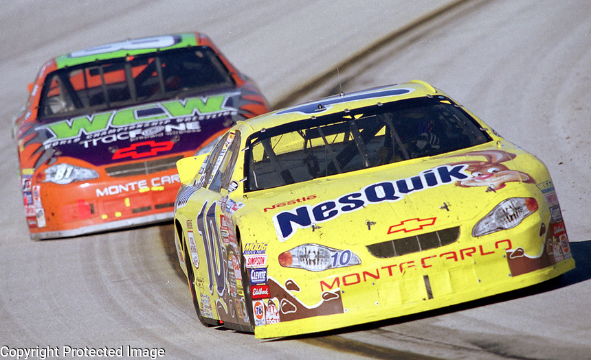 Jeff Green races to the 2000 NASCAR Busch Series Championship in the Miami 300, the final race of the season at Homestead, FL in November 2000. (Photo by Brian Cleary)