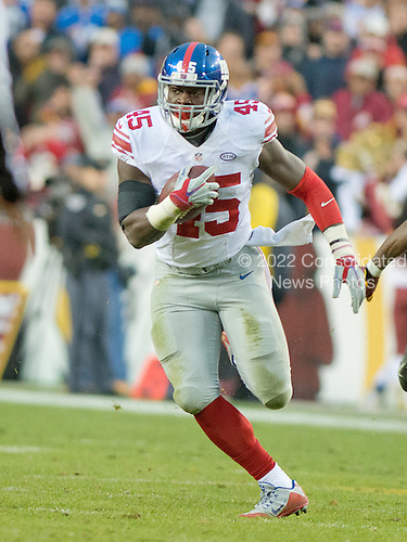 New York Giants tight end Will Tye (45) carries the ball after making a catch in the fourth quarter against the Washington Redskins at FedEx Field in Landover, Maryland on Sunday, November 29, 2015.  The Redskins won the game 20-14.<br /> Credit: Ron Sachs / CNP<br /> (RESTRICTION: NO New York or New Jersey Newspapers or newspapers within a 75 mile radius of New York City)