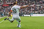 22.07.2017, Millerntor-Stadion, Hamburg, GER, FSP, FC St. Pauli vs SV Werder Bremen<br /> <br /> im Bild<br /> Max Kruse (Werder Bremen #10) am Ball, <br /> <br /> Foto &copy; nordphoto / Ewert