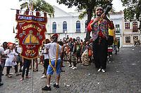 OLINDA, PE, 23.02.2014 - CARNAVAL / PERNAMBUCO / OLINDA - Folioes durante o bloco Congobloco nas ruas do Centro Historico de Olinda, neste domingo, 23. (Foto: William Volcov / Brazil Photo Press).
