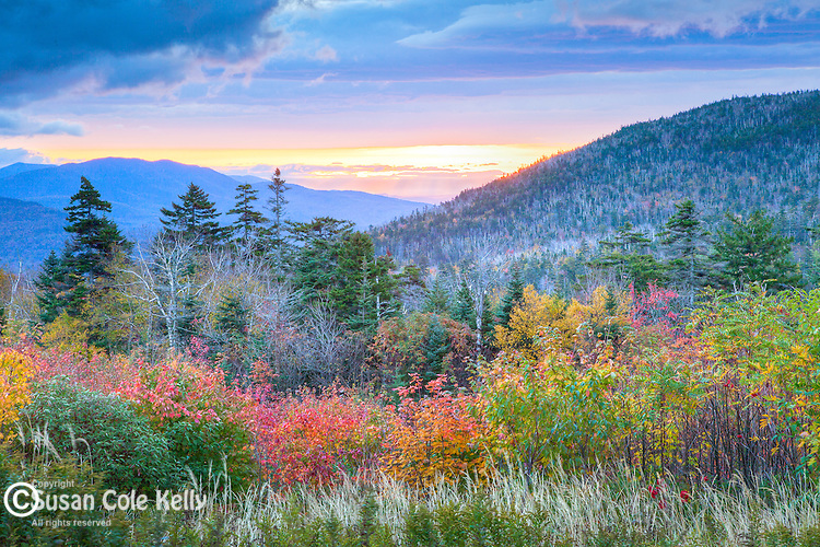 An autumn sunrise at the Wanagan Ground overlook in the White Mountain National Forest, NH, USA