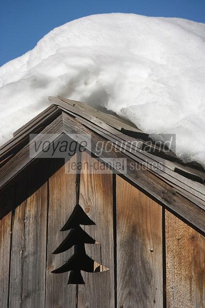 Europe/France/Rhone-Alpes/74/Haute-Savoie/Megève: détail  Toiture de chalet
