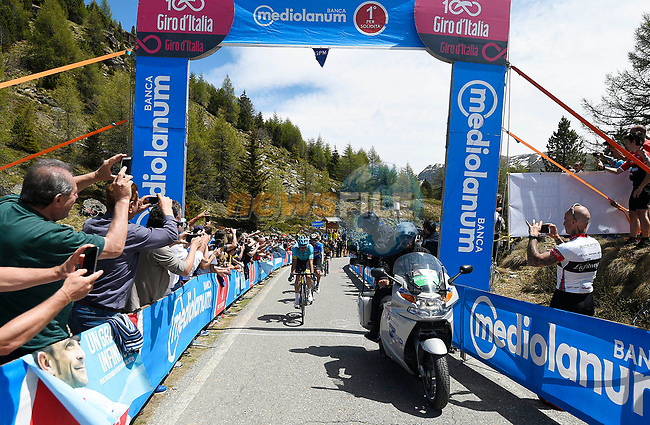 Luis Le&oacute;n Sanchez (ESP) Astana Pro Team first across the Mortirolo, the race's Scarponi Climb during Stage 16 of the 100th edition of the Giro d'Italia 2017, running 222km from Rovetta to Bormio, Italy. 23rd May 2017.<br /> Picture: LaPresse/Fabio Ferrari | Cyclefile<br /> <br /> <br /> All photos usage must carry mandatory copyright credit (&copy; Cyclefile | LaPresse/Fabio Ferrari)