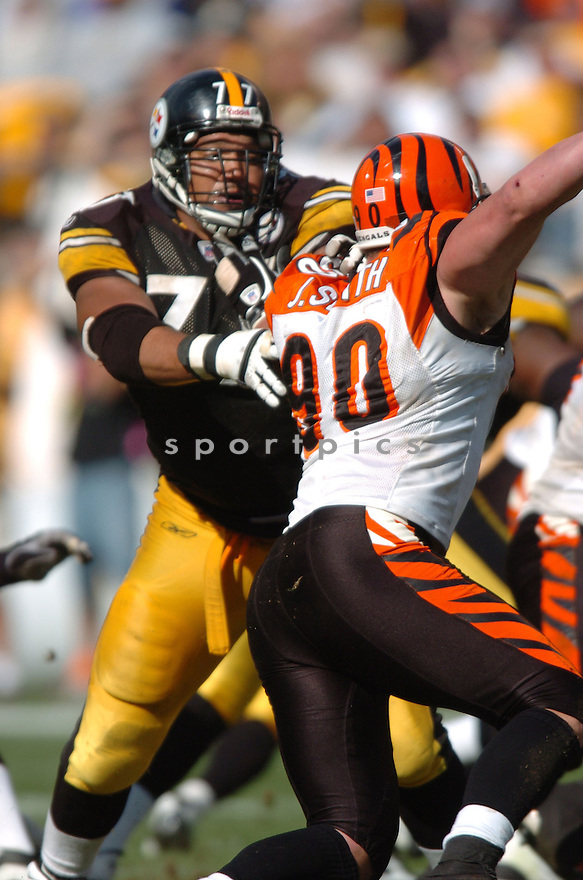 MARVEL SMITH, of the Pittsburgh Steelers in action,against the  Cincinnati Bengals on September 24, 2006 in Pittsburgh, PA..Bengals win 28-20..Tomasso DeRosa / SportPics.