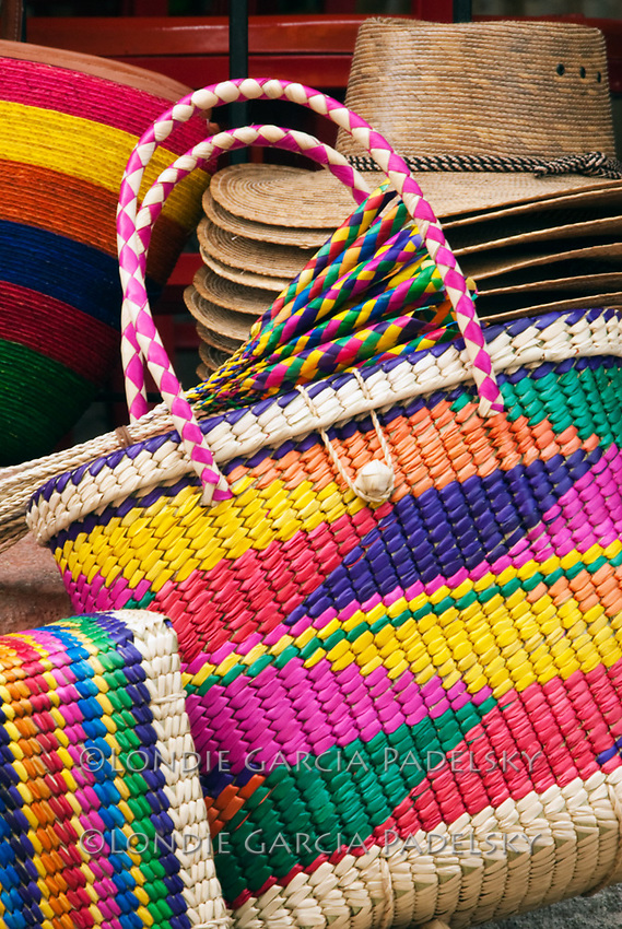 Mexican Straw Bag Photo | Londie Garcia Padelsky Photography
