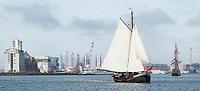 Nederland  Amsterdam  -  2017.  Zeilschip op het IJ.  Foto Berlinda van Dam / Hollandse Hoogte