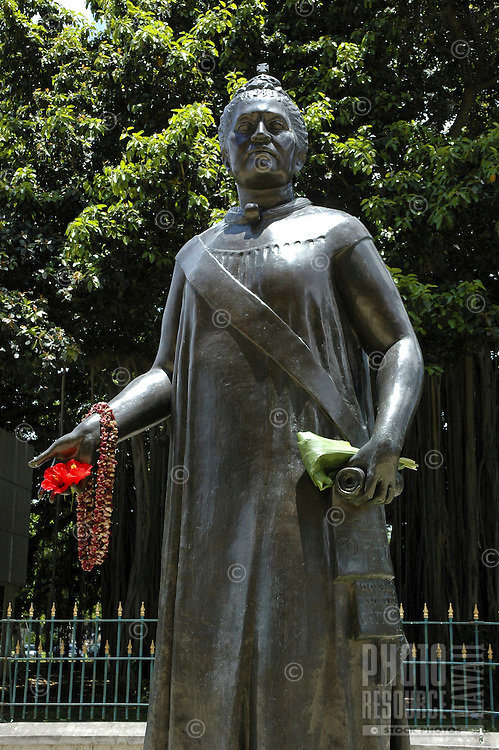 statue of Queen Liliuokalani, Hawaii's last reigning monarch, near the state capital and Iolani Palace, downtown Honolulu