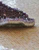 1.5 cm gridded blend shown in  Rosa Pearl, Blush, Botticino, Dore Royal.