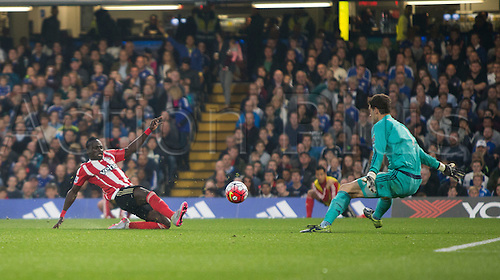 03.10.2015. London, England. Barclays Premier League. Chelsea versus Southampton. Southampton's Sadio Mané has a chance early in the second half which is well saved by Chelsea's Asmir Begović.