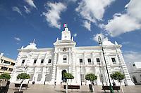 Imponente se observa el palacio de gobierno que fue captado con un lente super gran angular 10 mm para dar esa perspectiva de inmensidad