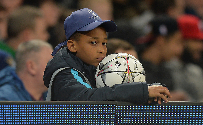 Even the ball boy looks board stiff during the first half <br /> <br /> Photographer Dave Howarth/CameraSport<br /> <br /> Football - UEFA Champions League Quarter Final Second Leg - Manchester City v Paris Saint-Germain - Tuesday 12th April 2016 - Etihad Stadium - Manchester<br /> <br /> &copy; CameraSport - 43 Linden Ave. Countesthorpe. Leicester. England. LE8 5PG - Tel: +44 (0) 116 277 4147 - admin@camerasport.com - www.camerasport.com