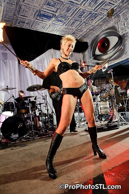 The Mutaytor performing at 2720 Cherokee in St. Louis, MO on Nov 18, 2010.