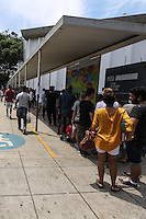 SAO PAULO, SP, 12.01.2014 - EXPOSIÇÃO STANLEY KUBRICK -  Extensa fila  para o último dia da exposição do cineasta Stanley Kubrick no MIS (Museu da Imagem e do Som) na regiao sul da cidade de Sao Paulo, neste domingo, 12. (Foto: William Volcov / Brazil Photo Press).