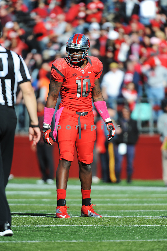 Rutgers University Scarlet Knights tightend D.C. Jefferson (10) during game against University of Syracuse Orangemen played at High Point Solutions Stadium on Saturday, October 13, 2012 in Philadelphia, PA. Rutgers defeated Syracuse 23-15.