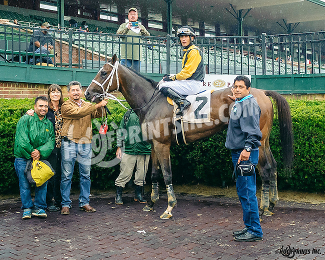 Niconellie winning at Delaware Park on 10/8/16