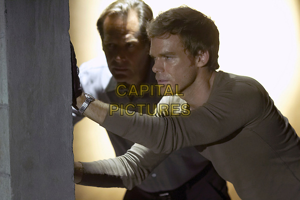 "JAMES REMAR & MICHAEL C. HALL.in Dexter.(Season 3, Episode 6 ""Si se puede"").*Filmstill - Editorial Use Only*.CAP/FB.Supplied by Capital Pictures."