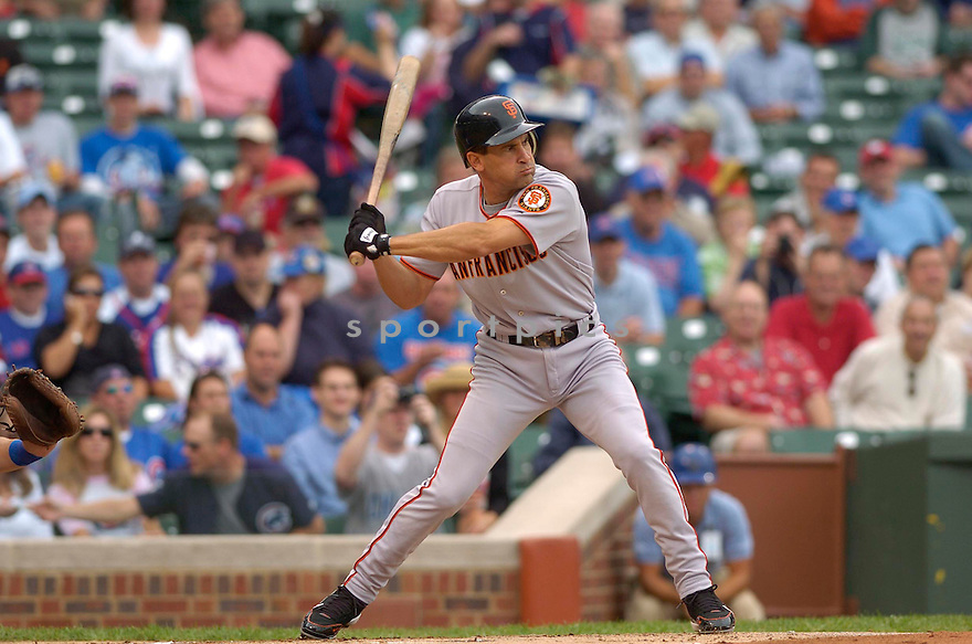 OMAR VIZQUEL, of the San Francisco Giants, in action against the Chicago Cubs on September 2, 2006 in Chicago, IL...Giants win 4-2..David Durochik / SportPics