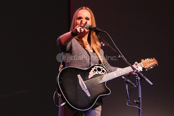 NEW YORK, NY - August 07, 2012 :Melissa Etheridge performs songs from her new CD 4TH Street Feeling at the Apple Store SoHo in New York City. © RW/MediaPunch Inc.