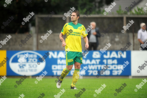 2013-08-25 / Voetbal / seizoen 2013-2014 / Witgoor / Robbe Claes<br /><br />Foto: Mpics.be