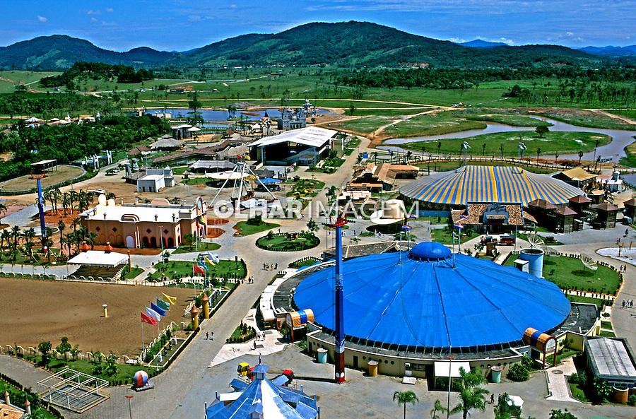 Aérea do Parque Beto Carrero World, Penha em Santa Catarina. 1995. Foto de Juca Martins.