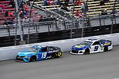 #19: Martin Truex Jr., Joe Gibbs Racing, Toyota Camry Auto Owners Insurance and #9: Chase Elliott, Hendrick Motorsports, Chevrolet Camaro NAPA AUTO PARTS