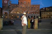 Italien, Toskana, Siena, fahnenschwenkende Contrada
