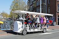 Nederland Amsterdam 2016 05 01.  Vrijgezellenfuif op de LimoBike. Foto Berlinda van Dam / Hollandse Hoogte