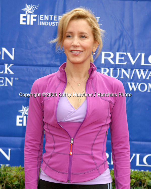 Felicity Huffman arriving at the.13th Annual Revlon Run/Walk.LA Coliseum.Los Angeles, CA.May 12, 2006.©2006 Kathy Hutchins / Hutchins Photo....