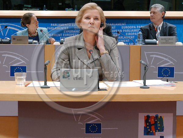 Brussels-Belgium - October 07, 2004---Hearing of European Commissioner Designate Ingrida UDRE (Latvia), designated to be in charge of 'Taxation and Customs Union' within the future 'Barroso team', at the European Parliament's joint Committees on 'Economic and Monetary Affairs' and 'Internal Market and Consumer Protection'; here, the Commissioner at the beginning of the meeting---Photo: Horst Wagner/eup-images