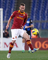Calcio, ottavi di finale di Coppa Italia: Roma vs Atalanta. Roma, stadio Olimpico, 11 dicembre 2012..AS Roma midfielder Daniele De Rossi controls the ball during their Italy Cup last-16 tie football match between AS Roma and Atalanta at Rome's Olympic stadium, 11 December 2012..UPDATE IMAGES PRESS/Isabella Bonotto