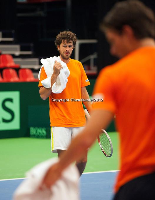 06-02-12, Netherlands,Tennis, Den Bosch, Daviscup Netherlands-Finland, Training, Robin Haase