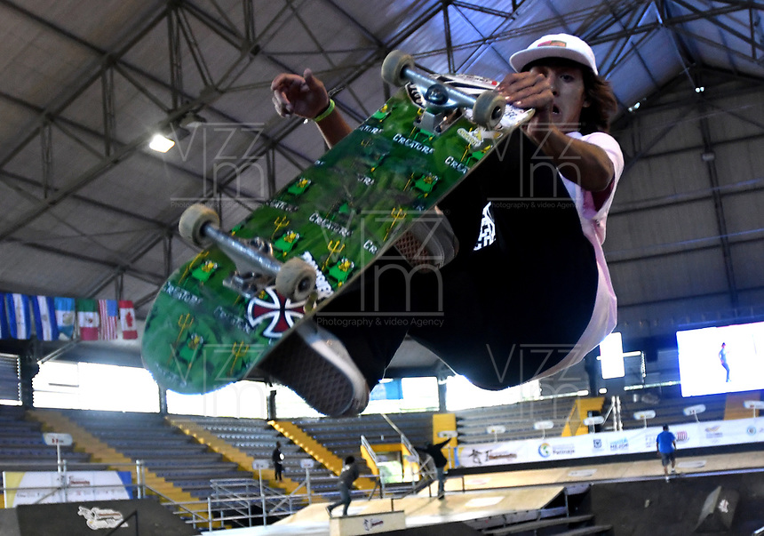 BOGOTA - COLOMBIA - 13 - 08 - 2017: Jhancarlo Gonzalez, Skater de Colombia, durante competencia en el Primer Campeonato Panamericano de Skateboarding, que se realiza en el Palacio de los Deportes en la Ciudad de Bogota. / Jhancarlo Gonzalez, Skater from Colombia, during a competitions in the First Pan American Championship of Skateboarding, that takes place in the Palace of Sports in the City of Bogota. Photo: VizzorImage / Luis Ramirez / Staff.