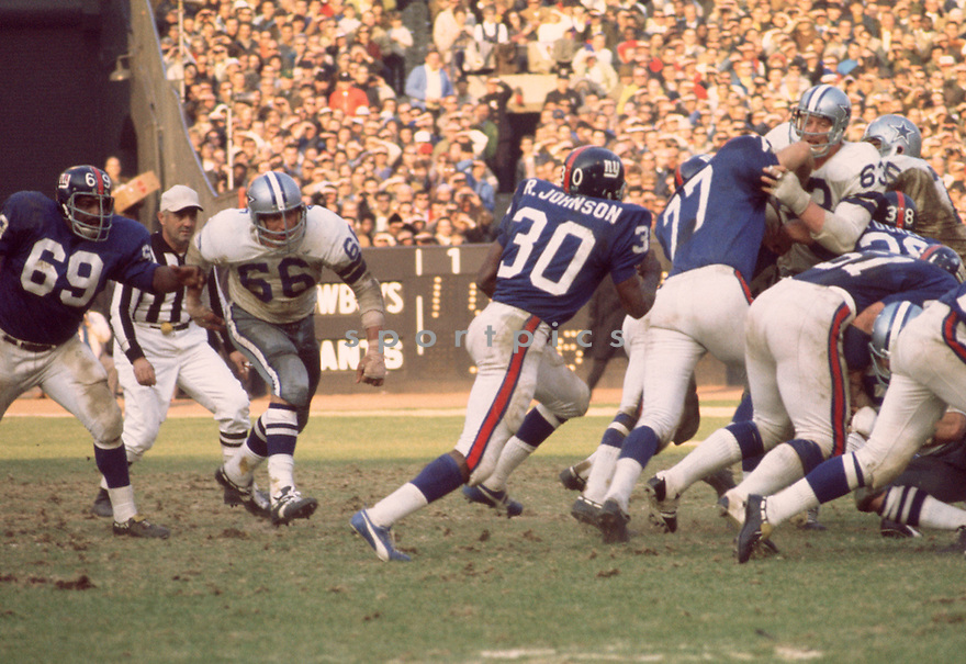 Dallas Cowboys George Andrie (66) during a game against the New York Giants on September 27, 1970<br />  at Yankee Stadium in the Bronx, New York. The Dallas Cowboys beat the Minnesota Vikings 28-10.  Craig Morton played for 11 season all with the Dallas Cowboys and was a 5-time Pro Bowler.(SportPics)