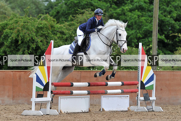 Class 4. Intermediate. Unaffiliated showjumping. Eastminster riding school. Essex. 29/05/2017. MANDATORY Credit Ellen Szalai/Sportinpictures - NO UNAUTHORISED USE - 07837 394578