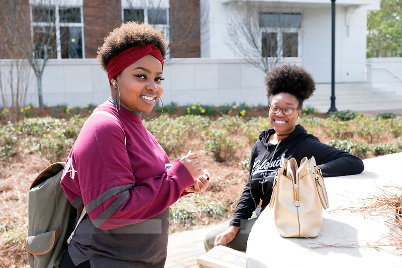 Friends having lunch and chatting at The Bullring: Xaria Parker and Bariel Stewart.<br />  (photo by Megan Bean / &copy; Mississippi State University)