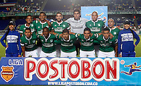 CALI - COLOMBIA -05 -03-2014: Los jugador de Deportivo Cali posan para una foto durante partido pendiente de la sexta fecha de la Liga Postobon I-2014, jugado en el estadio Pascual Guerrero de la ciudad de Cali. / The Players of Deportivo Cali pose for a photo during a pending match for the sixth date of the Liga Postobon I-2014 at the Pascual Guerrero stadium in Cali city. Photo: VizzorImage  / Juan C Quintero / Str.