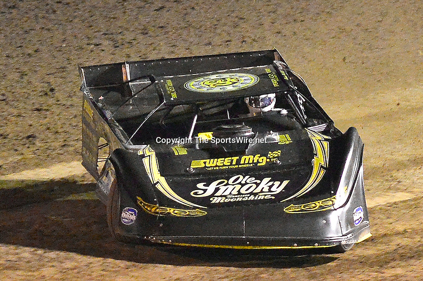 Feb 20, 2014; 7:46:51 PM;  Barberville, FL, USA;  World of Outlaws Late Model Series for 43rd Annual DIRTcar Nationals presented by Summit Racing Equipment at Volusia Speedway Park.  Mandatory Credit: (thesportswire.net)