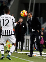 Calcio, Serie A: Juventus vs Milan. Torino, Juventus Stadium, 21 novembre 2015. <br /> Juventus coach Massimiliano Allegri, right, reacts pat his player Alex Sandro during the Italian Serie A football match between Juventus and AC Milan at Turin's Juventus stadium, 21 November 2015. Juventus won 1-0.<br /> UPDATE IMAGES PRESS/Isabella Bonotto