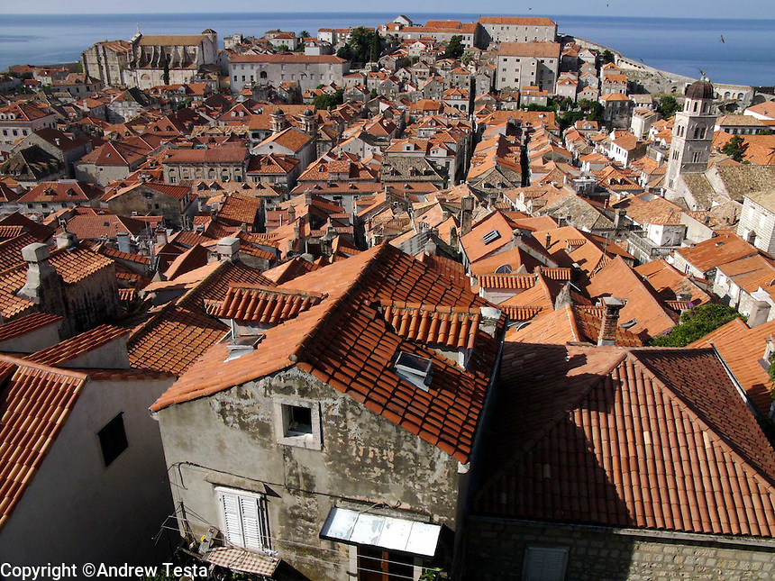 CROATIA. Dubrovnik. August 2004..Dubrovnik Old Town from the City Walls..©Andrew Testa for the New York Times