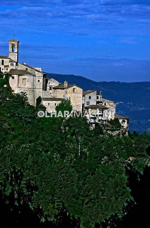Cidade de Stroncone, Umbria. Itália 2002. Foto de Vinicius Romanini.