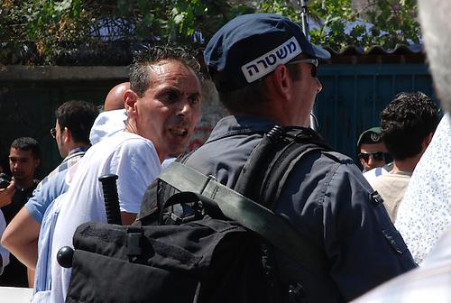Expulsion of a palestinian family in Shekh Jara, Expulsion d'une famille palestinienne a Sheikh Jara