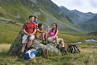 Tiroler Oberland, Austria, August 2009. A family hikes from the Radurschltal Valley to the Hohenzollernhaus hut. Photo by Frits Meyst/Adventure4ever.com