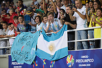 PEREIRA - COLOMBIA, 24-01-2020: Hinchas de Argentina animan a su equipo durante partido entre Chile y Argentina por la fecha 3, grupo A, del CONMEBOL Preolímpico Colombia 2020 jugado en el estadio Hernán Ramírez Villegas de Pereira, Colombia. / Fans of Argentina cheer for their team during the match between Chile and Argentina for the date 3, group A, for the CONMEBOL Pre-Olympic Tournament Colombia 2020 played at Hernan Ramirez Villegas stadium in Pereira, Colombia.. Photos: VizzorImage / Mauricio Ortiz / Cont