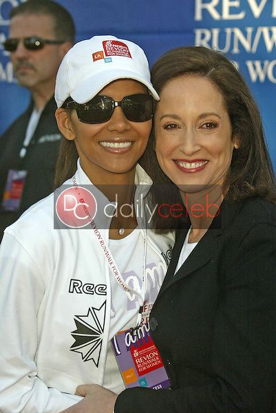 Halle Berry and Lilly Tartikoff<br /> at the 12th Annual Revlon Run/Walk For Women Los Angeles, Los Angeles Memorial Coliseum, Los Angeles, CA, 05-07-05<br /> Jason Kirk/DailyCeleb.com 818-249-4998