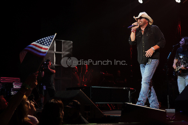 HARTFORD CT - SEPTEMBER 20 : Toby Keith performs at the Comcast Theatre on September 20, 2012 in Hartford, Connecticut . © mpi04/MediaPunch Inc.