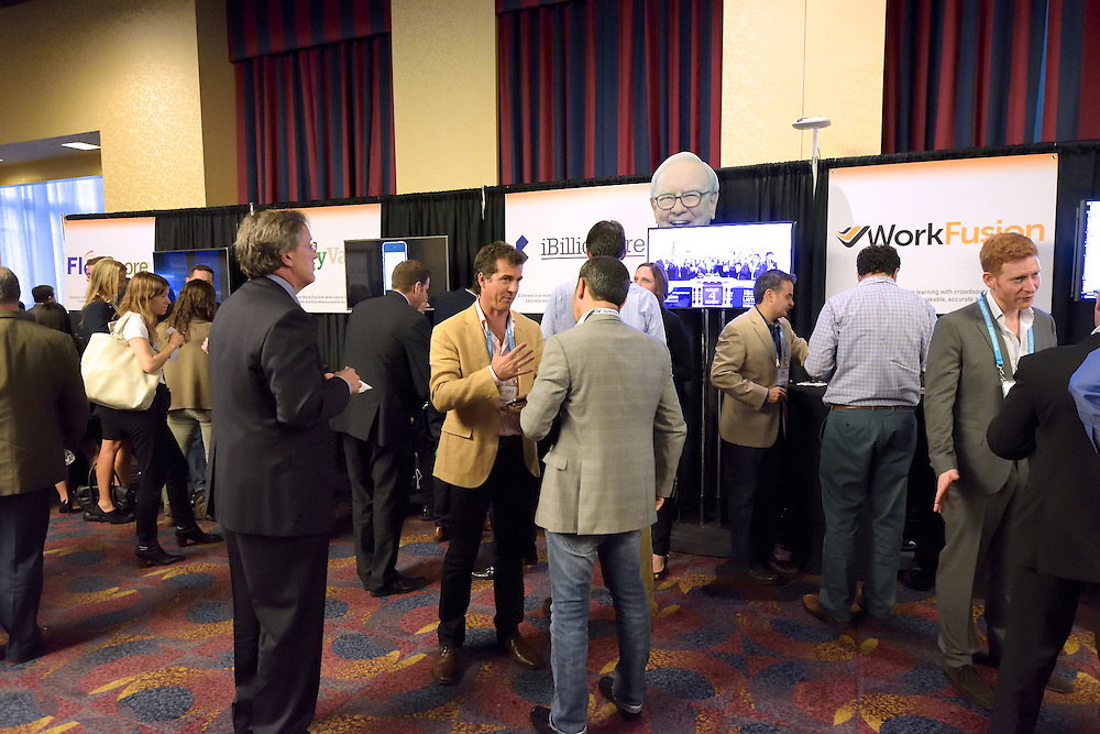 Networking at The Finovate Conference at The New York Hilton