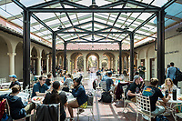 Students at lunch in Branca Patio, March 28, 2018.<br /> (Photo by Marc Campos, Occidental College Photographer)