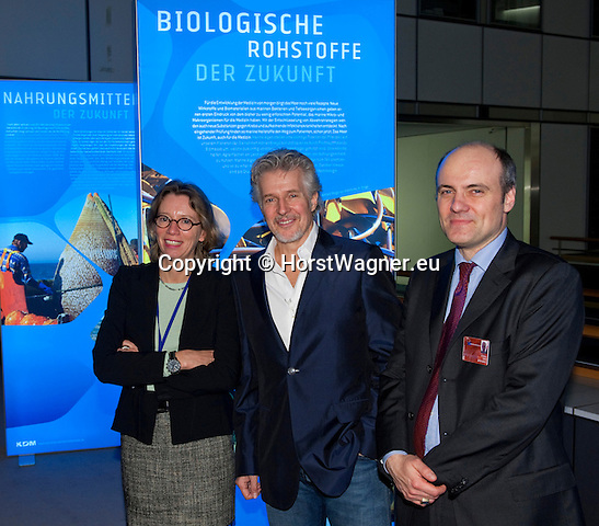 Brussels-Belgium - January 24,  2012 -- 'Our Blue Future' - exhibition at the European Parliament by KDM (Konsortium Deutsche Meeresforschung / German Maritime Research Consortium); here, keynote speaker and bestselling author Frank SCHAETZING (ce)(Schätzing, Schatzing), with Dr. Martina HILGER (le), Bremen,  and Jan-Stefan FRITZ / PhD (ri), KDM-office Brussels -- Photo: © HorstWagner.eu